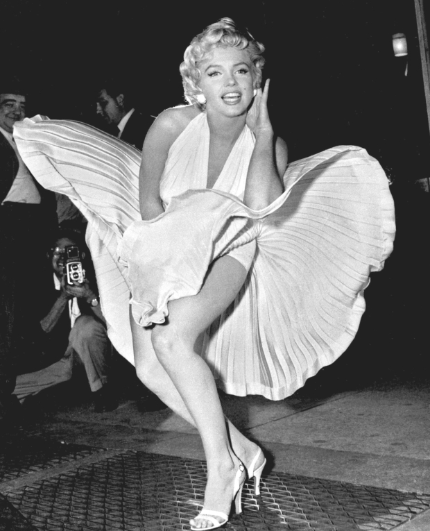 Marilyn_Monroe_photo_pose_Seven_Year_Itch.jpg